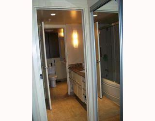 Photo 5: 406 683 Victoria Park in North Vancouver: Condo for sale (Houston (Zone 53))  : MLS®# V784345