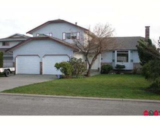 Photo 1: 14614 87A Ave in Surrey: Bear Creek Green Timbers House for sale : MLS®# F2708359