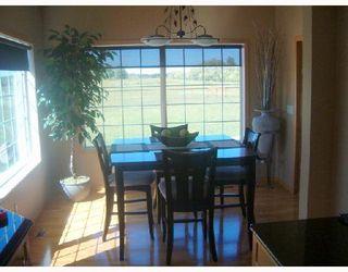 Photo 3: 3588 MOWATT Road in WINNIPEG: Birdshill Area Single Family Detached for sale (North East Winnipeg)  : MLS®# 2715260