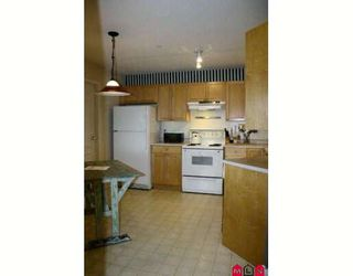 """Photo 7: 102 5450 208TH Street in Langley: Langley City Condo for sale in """"Montgomery Gate"""" : MLS®# F2806778"""