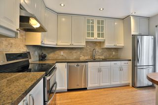 Photo 5: 7 3122 Lakeshore Road West in Oakville: Condo for sale : MLS®# 30762793