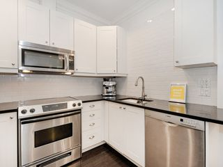 "Photo 9: 104 1280 NICOLA Street in Vancouver: West End VW Condo for sale in ""Linden House"" (Vancouver West)  : MLS®# R2421297"