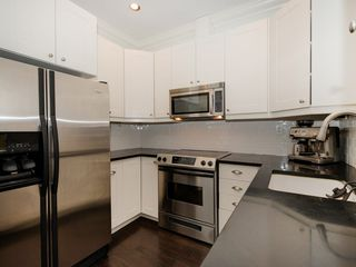 "Photo 8: 104 1280 NICOLA Street in Vancouver: West End VW Condo for sale in ""Linden House"" (Vancouver West)  : MLS®# R2421297"
