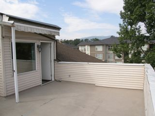 Photo 35: 305 2344 ATKINS AVENUE in MISTRAL QUAY: Home for sale : MLS®# V1099381