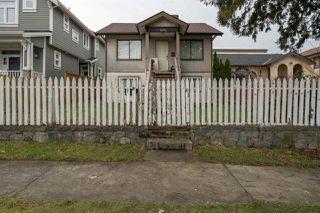 """Main Photo: 4293 PERRY Street in Vancouver: Knight House for sale in """"CEDAR COTTAGE"""" (Vancouver East)  : MLS®# R2433089"""