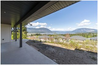 Photo 10: 1411 Southeast 9th Avenue in Salmon Arm: Southeast House for sale : MLS®# 10205270