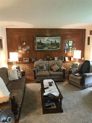 Photo 3: 9328 79 Street in Edmonton: Zone 18 House for sale : MLS®# E4198070