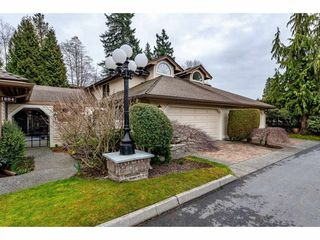 """Photo 2: 2 1804 SOUTHMERE Crescent in Surrey: Sunnyside Park Surrey Townhouse for sale in """"South Pointe on the Park"""" (South Surrey White Rock)  : MLS®# R2462684"""