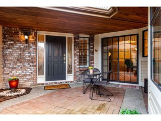 """Photo 1: 2 1804 SOUTHMERE Crescent in Surrey: Sunnyside Park Surrey Townhouse for sale in """"South Pointe on the Park"""" (South Surrey White Rock)  : MLS®# R2462684"""