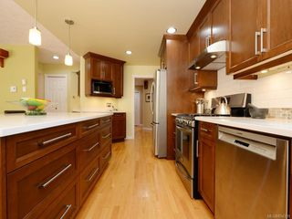 Photo 6: 1053 Parsell Pl in : CS Brentwood Bay House for sale (Central Saanich)  : MLS®# 854319