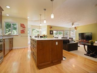 Photo 7: 1053 Parsell Pl in : CS Brentwood Bay House for sale (Central Saanich)  : MLS®# 854319
