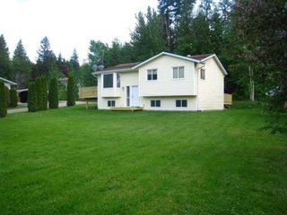 Photo 1: 8758 Holding Road in Adams Lake: Waterfront Residential Detached for sale : MLS®# 9222060