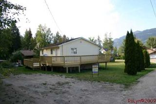 Photo 25: 8758 Holding Road in Adams Lake: Waterfront Residential Detached for sale : MLS®# 9222060