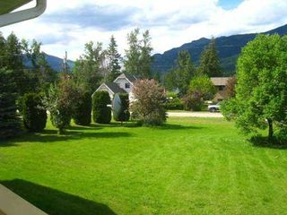 Photo 2: 8758 Holding Road in Adams Lake: Waterfront Residential Detached for sale : MLS®# 9222060