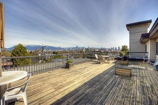 "Photo 9: 209-2125 W 2nd Ave in Vancouver: Kitsilano Condo for sale in ""Sunny Lodge"" (Vancouver West)"