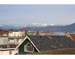 "Photo 5: 209-2125 W 2nd Ave in Vancouver: Kitsilano Condo for sale in ""Sunny Lodge"" (Vancouver West)"