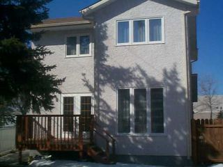 Photo 2: 611 DAVID Street in Winnipeg: Westwood / Crestview Single Family Detached for sale (West Winnipeg)  : MLS®# 2504052