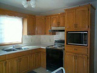 Photo 7: 611 DAVID Street in Winnipeg: Westwood / Crestview Single Family Detached for sale (West Winnipeg)  : MLS®# 2504052