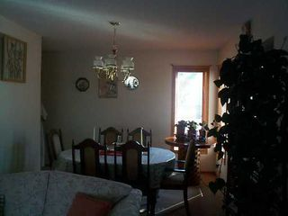 Photo 4: 611 DAVID Street in Winnipeg: Westwood / Crestview Single Family Detached for sale (West Winnipeg)  : MLS®# 2504052