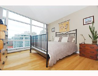 "Photo 8: 1607 198 AQUARIUS MEWS BB in Vancouver: False Creek North Condo for sale in ""AQUARIUS"" (Vancouver West)  : MLS®# V654355"