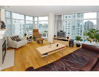 "Photo 1: 1607 198 AQUARIUS MEWS BB in Vancouver: False Creek North Condo for sale in ""AQUARIUS"" (Vancouver West)  : MLS®# V654355"