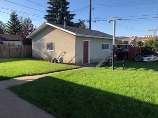 Photo 17: 16416 99A Avenue in Edmonton: Zone 22 House for sale : MLS®# E4172505