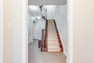Photo 3: 4 12 Burkebrooke Place in Toronto: Bridle Path-Sunnybrook-York Mills Condo for sale (Toronto C12)  : MLS®# C4742673