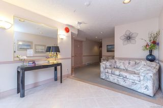 Photo 4: 301 9993 Fourth St in Sidney: Si Sidney North-East Condo for sale : MLS®# 840246