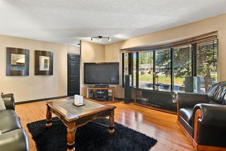 Photo 5: 639 WILLESDEN Drive SE in Calgary: Willow Park Detached for sale : MLS®# A1041833