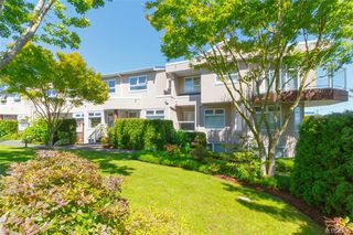 Photo 2: 9 478 Culduthel Rd in : SW Gateway Row/Townhouse for sale (Saanich West)  : MLS®# 862683