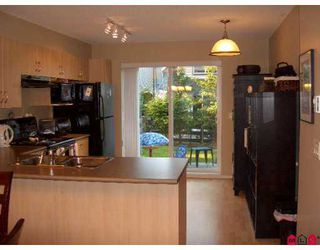 "Photo 4: 77 15871 85TH Avenue in Surrey: Fleetwood Tynehead Townhouse for sale in ""Huckleberry"" : MLS®# F2716364"