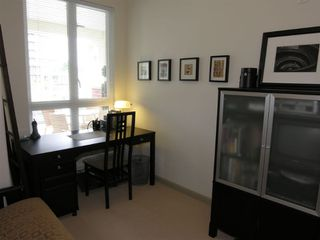 """Photo 11: 410 14 E ROYAL Avenue in New_Westminster: Fraserview NW Condo for sale in """"VICTORIA HILL"""" (New Westminster)  : MLS®# V655718"""