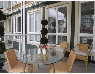 """Photo 33: 410 14 E ROYAL Avenue in New_Westminster: Fraserview NW Condo for sale in """"VICTORIA HILL"""" (New Westminster)  : MLS®# V655718"""