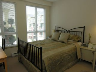 """Photo 13: 410 14 E ROYAL Avenue in New_Westminster: Fraserview NW Condo for sale in """"VICTORIA HILL"""" (New Westminster)  : MLS®# V655718"""