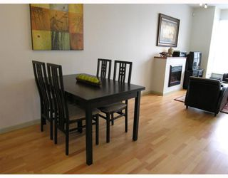 """Photo 26: 410 14 E ROYAL Avenue in New_Westminster: Fraserview NW Condo for sale in """"VICTORIA HILL"""" (New Westminster)  : MLS®# V655718"""