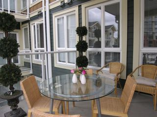 """Photo 17: 410 14 E ROYAL Avenue in New_Westminster: Fraserview NW Condo for sale in """"VICTORIA HILL"""" (New Westminster)  : MLS®# V655718"""