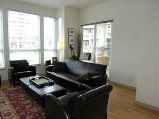 """Photo 8: 410 14 E ROYAL Avenue in New_Westminster: Fraserview NW Condo for sale in """"VICTORIA HILL"""" (New Westminster)  : MLS®# V655718"""