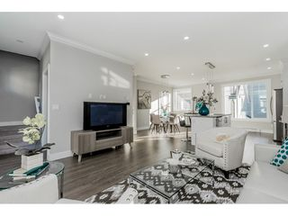 """Photo 10: 9 7056 192 Street in Surrey: Clayton Townhouse for sale in """"BOXWOOD"""" (Cloverdale)  : MLS®# R2417579"""