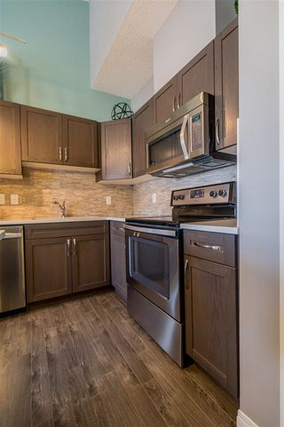 Photo 5: 553 ORCHARDS Boulevard in Edmonton: Zone 53 Townhouse for sale : MLS®# E4184152