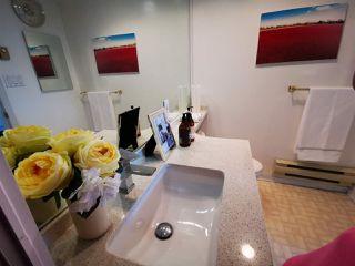 Photo 9: 701 14881 103A Avenue in Surrey: Guildford Condo for sale (North Surrey)  : MLS®# R2459670