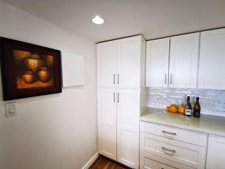 Photo 4: 701 14881 103A Avenue in Surrey: Guildford Condo for sale (North Surrey)  : MLS®# R2459670