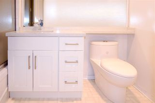 Photo 8: 701 14881 103A Avenue in Surrey: Guildford Condo for sale (North Surrey)  : MLS®# R2459670