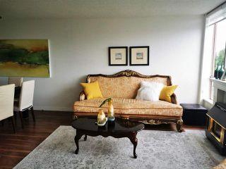 Photo 3: 701 14881 103A Avenue in Surrey: Guildford Condo for sale (North Surrey)  : MLS®# R2459670