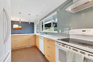 "Photo 13: 6421 CLINTON Street in Burnaby: South Slope House for sale in ""South Slope"" (Burnaby South)  : MLS®# R2490747"