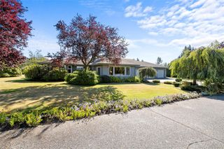 Photo 11: 1944 Meadowbank Rd in : CS Keating Single Family Detached for sale (Central Saanich)  : MLS®# 854632