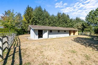 Photo 36: 1944 Meadowbank Rd in : CS Keating Single Family Detached for sale (Central Saanich)  : MLS®# 854632