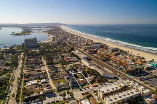 Photo 1: PACIFIC BEACH House for sale : 3 bedrooms : 831 Reed Ave in San Diego