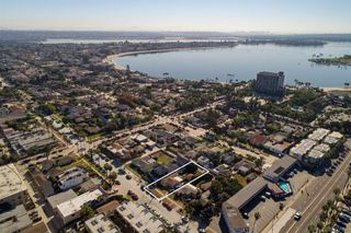 Photo 6: PACIFIC BEACH House for sale : 3 bedrooms : 831 Reed Ave in San Diego
