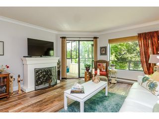 """Photo 5: 304 14950 THRIFT Avenue: White Rock Condo for sale in """"The Monterey"""" (South Surrey White Rock)  : MLS®# R2526137"""