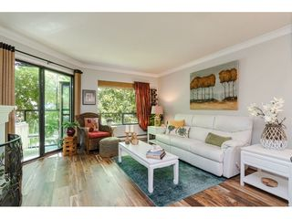 """Photo 4: 304 14950 THRIFT Avenue: White Rock Condo for sale in """"The Monterey"""" (South Surrey White Rock)  : MLS®# R2526137"""